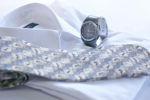 ビジネスマンの腕時計